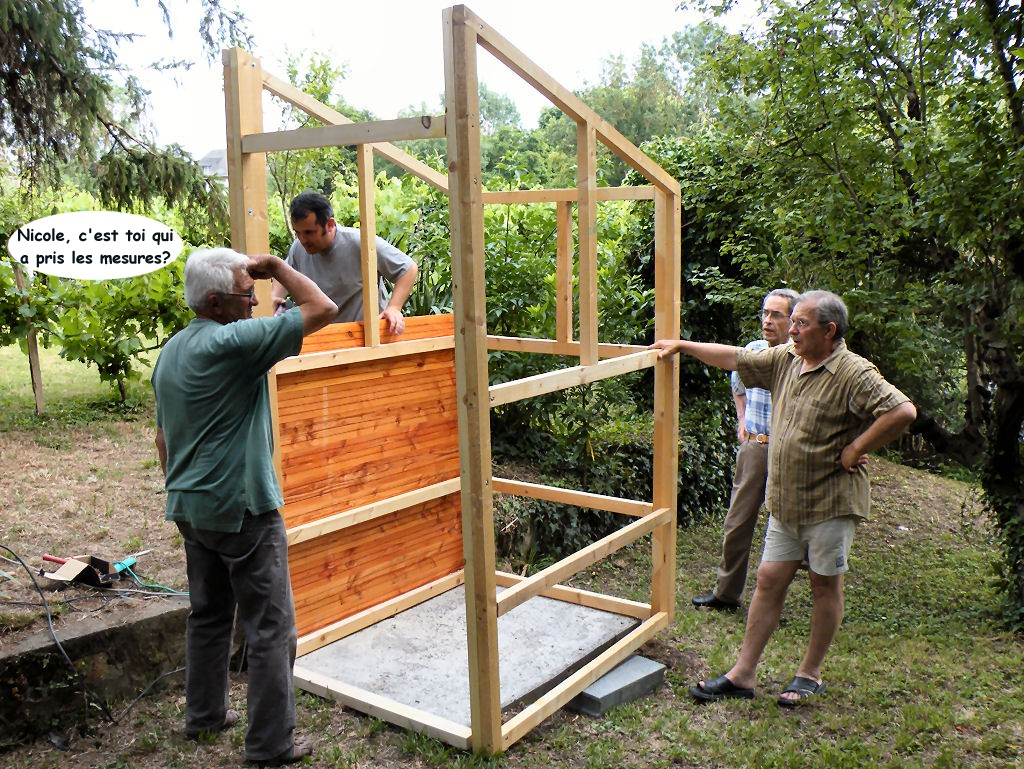 la construction des toilettes seches au jardin terra botanica thouars. Black Bedroom Furniture Sets. Home Design Ideas